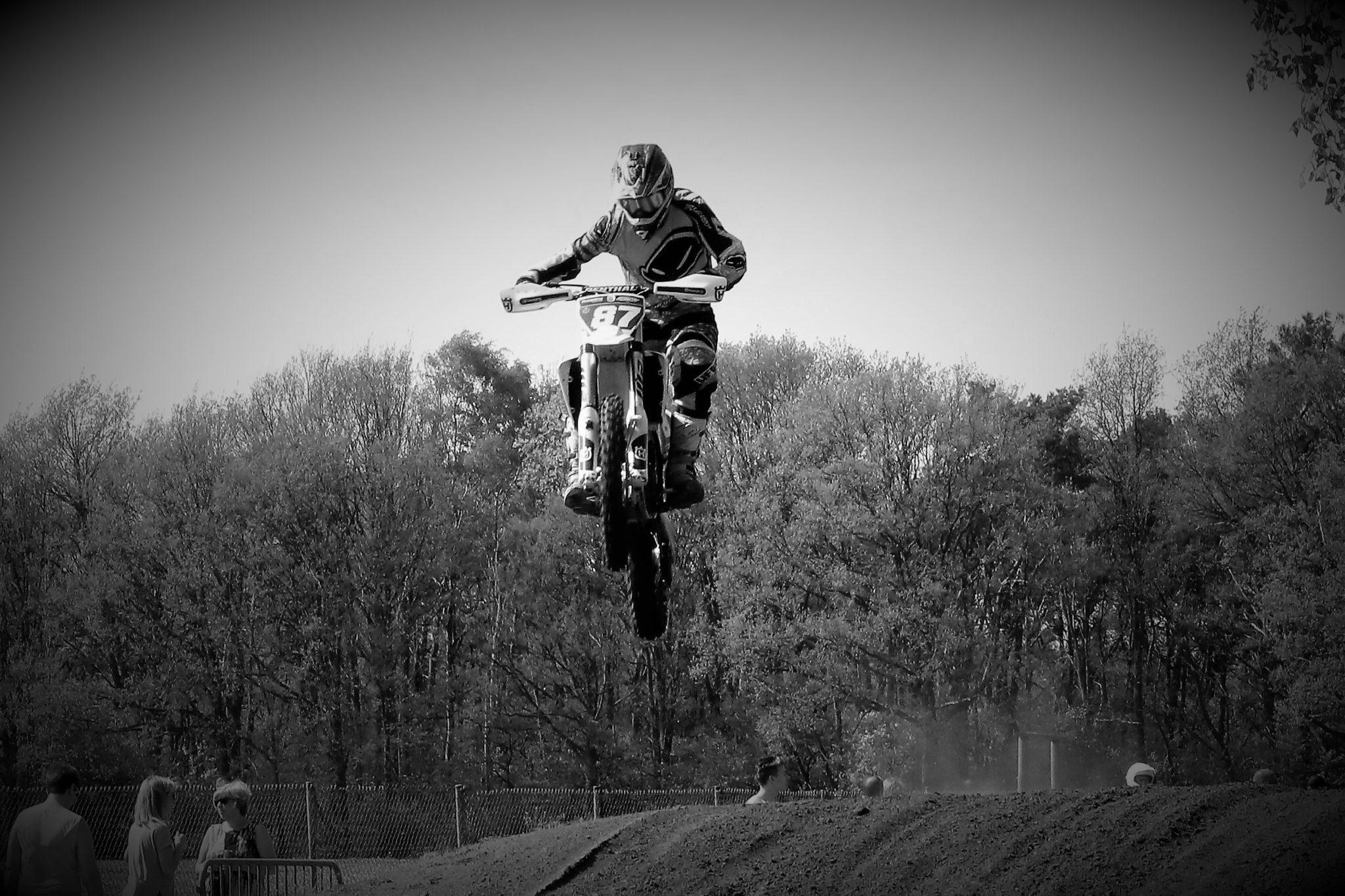 Cross jump